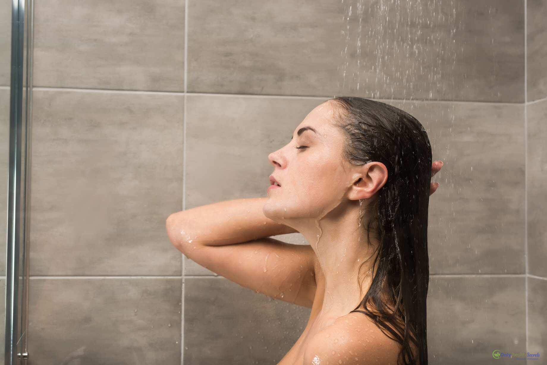 side-view-of-attractive-woman-taking-shower-XHDUL64_compress83